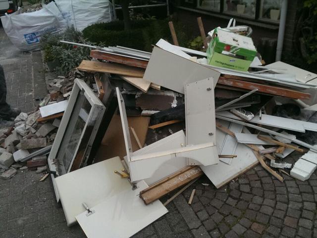 Afvalcontainer Huren Venlo Tom van den Heuvel