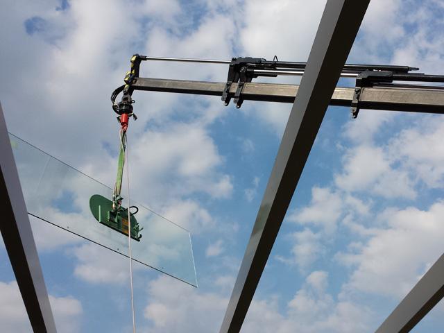 Hijswerk Glasplaten Tom van den Heuvel te Venlo