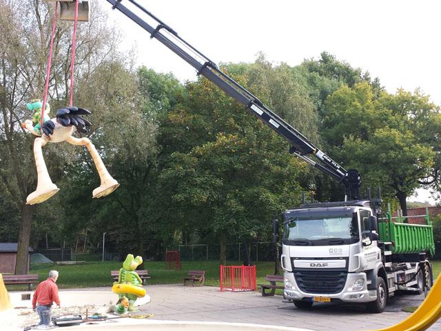 Vrachtwagen met Kraan Tom van den Heuvel te Venlo - 3